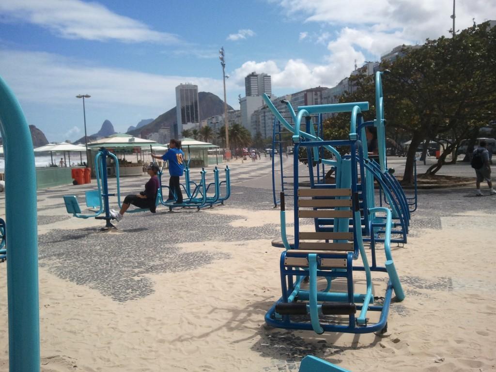Des installations sportives parmi tant d'autres sur la plage