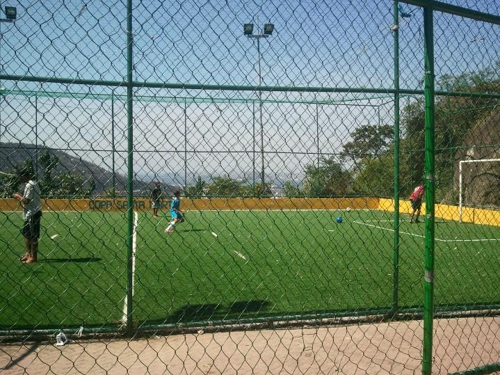 Le terrain de foot de la favelas