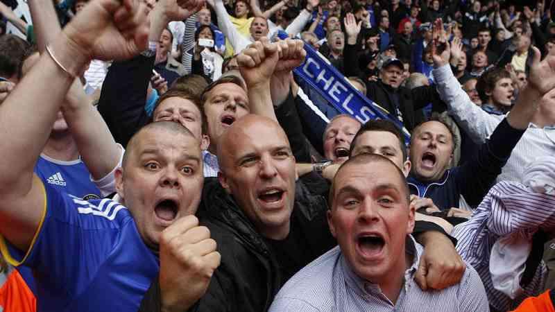 supporters de chelsea, voyager pour un match de foot